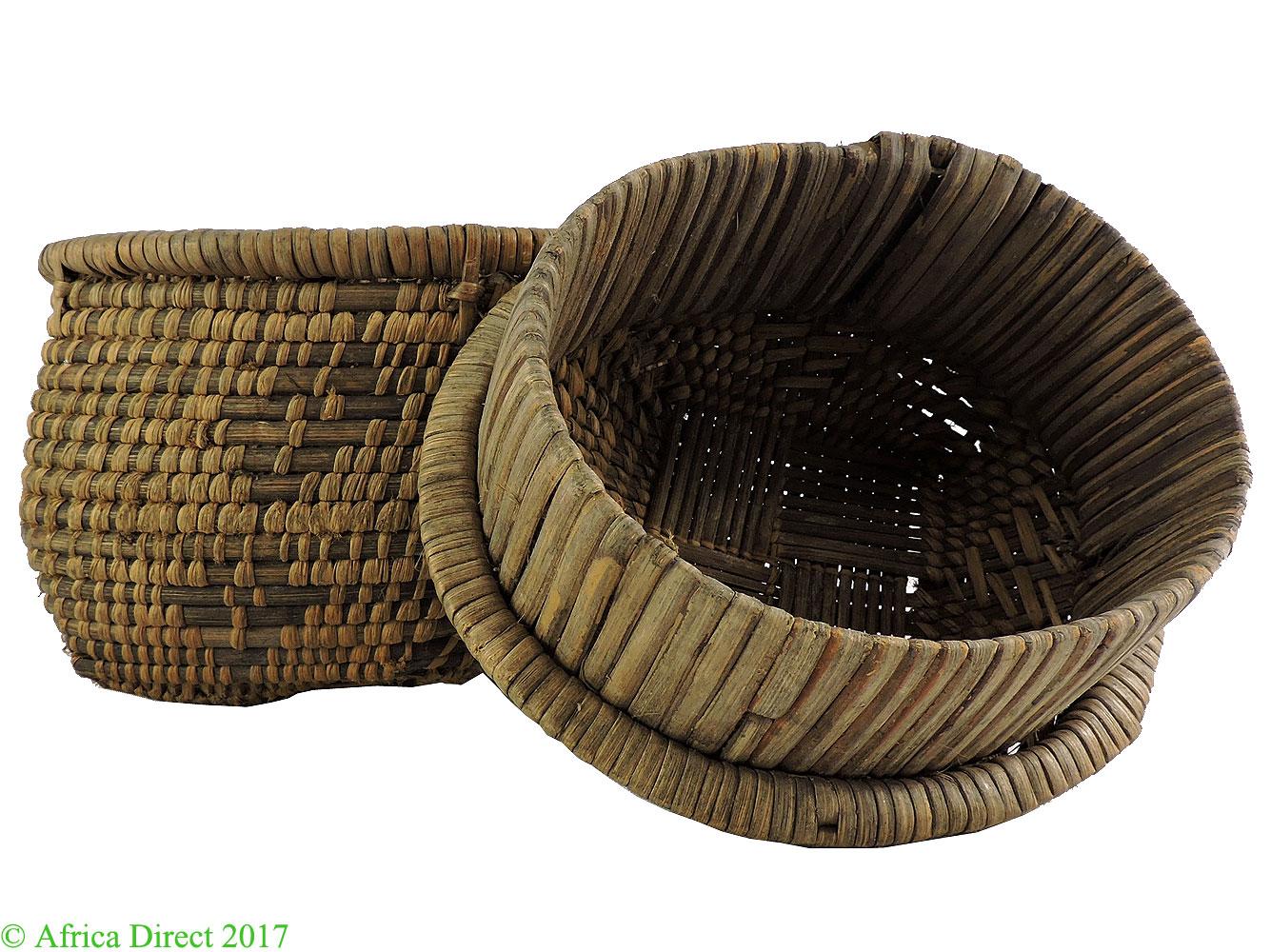 kuba basket with lid handwoven congo african art. Black Bedroom Furniture Sets. Home Design Ideas